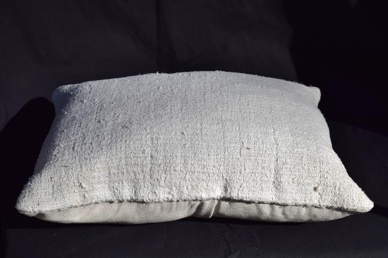 lumbar kilim pillow handwoven kilim pillow Turkish Anatolia hemp kilim pillow white kilim pillow couch kilim pillow sofa pillow cover Ag-1