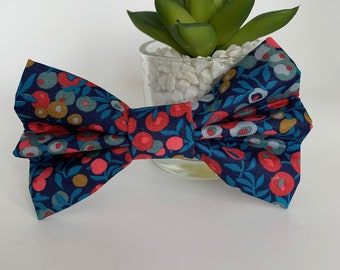 Liberty Dog Bow, Wiltshire Berry, Luxury Bow Tie