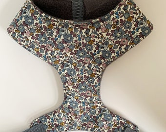 Liberty Dog Harness, Betsy Ann Fig, Floral Harness