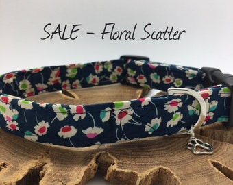 Sale Dog Collar, Floral Scatter, Blue Floral Collar