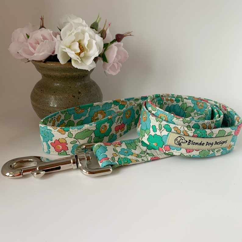 Liberty Dog Lead Betsy Sage Floral Dog Lead image 0