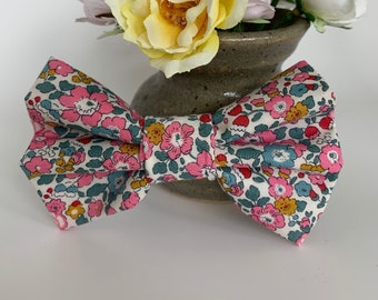 Liberty Dog Bow, Betsy-Ann Pink, Floral Bow Tie