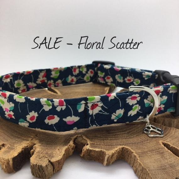 Sale Dog Collar, Floral Scatter, Blue Floral Collar