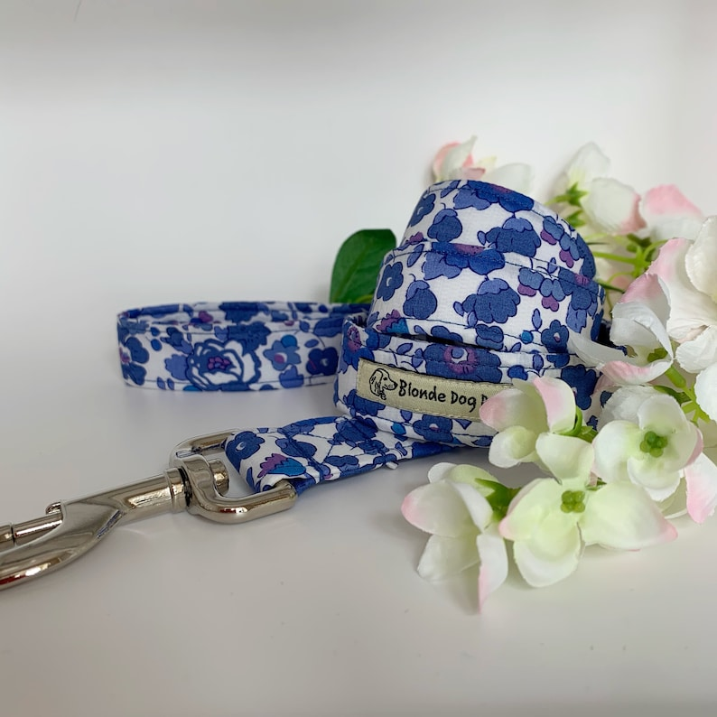Liberty Dog Lead Betsy Blue Floral Dog Lead image 0