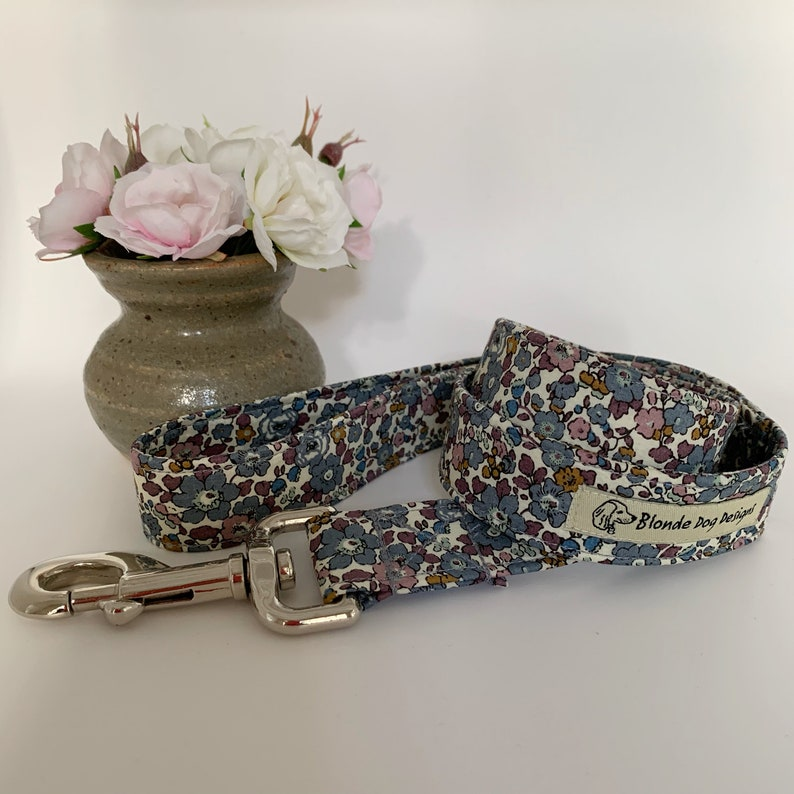 Liberty Dog Lead Betsy-Ann Fig Floral Dog Lead image 0