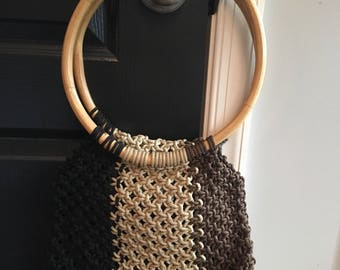 1970s Macrame Purse // Macrame Purse // Wooden handles macrame purse // wooden handle purse