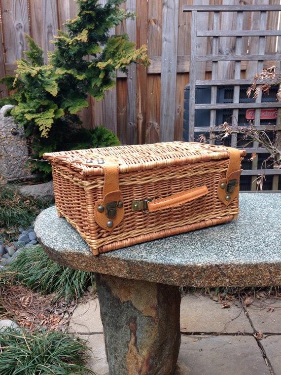 Vintage Picnic Basket // Basket Purse // Leather S