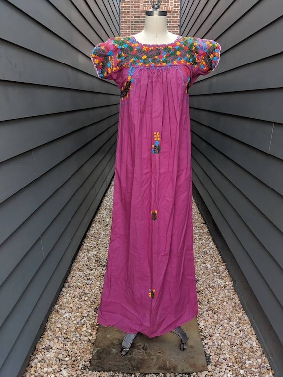 1970s Embroidered Mexican Maxi Dress // Vintage Me