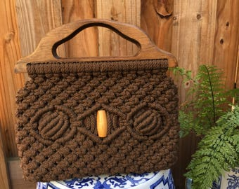 Vintage Macrame Purse with Wooden top handles // 1970s Macrame Purse // Macrame purse with bead