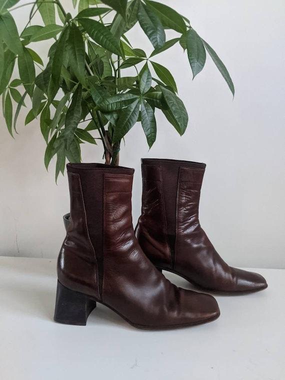 Vintage Italian Chelsea Boots // Vintage Leather B
