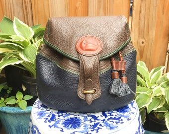 Vintage Dooney and Bourke drawstring Shoulder Purse // Vintage Bucket Purse // Vintage Leather Dooney and Bourke // Vintage Shoulder bag