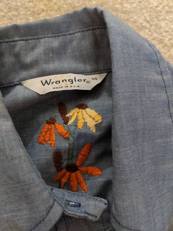 1970s Wrangler Chambray Embroidered Blouse // 197… - image 7