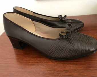 Granny Chic Shoes Size 4