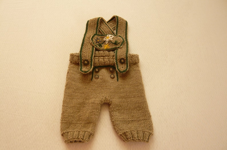 Baby knee bander knitted traditional pants