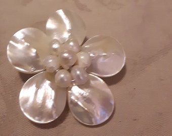 Vintage Mother of Pearl (MOP) Flower Brooch and Pendant with Freshwater Pearls in the Center-1960s-Wedding/Birthday/Anniversary/Mother's Day
