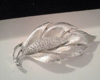 Lisner Double Leaf Brooch Etched Silver Tone Leaves Vintage Mid Century 1960s Fall Pin Seasonal