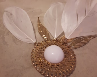 Vintage Gold Tone Feather and Etched Leaves Dangling Brooch - Filigree Brooch - White Cabochon Center - Boho - 1970s