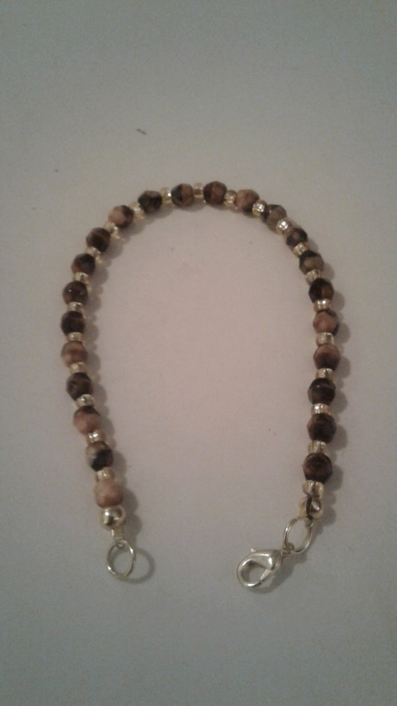 8 inch. Vintage Bronze and Green Bead bracelet