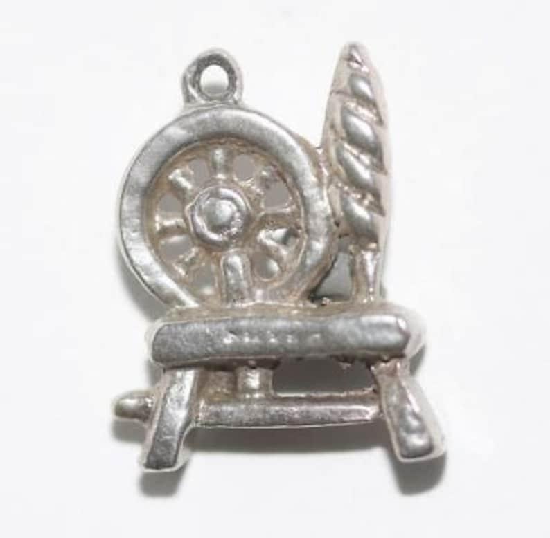 Vintage Wool Spinning Wheel Sterling Silver Bracelet Charm 3.6g