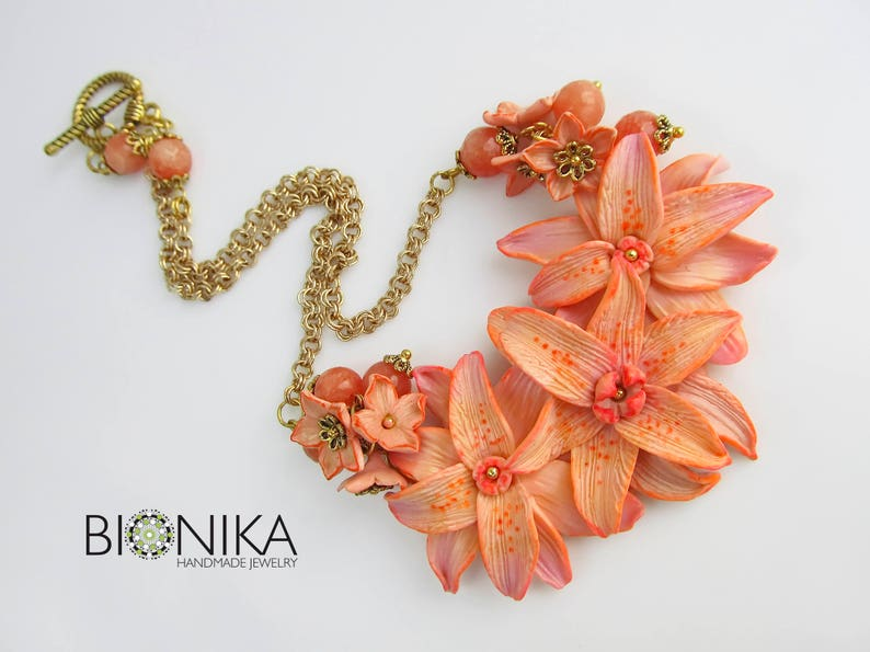 049313998 Necklace orange large flowers polymer clay Floral jewelry