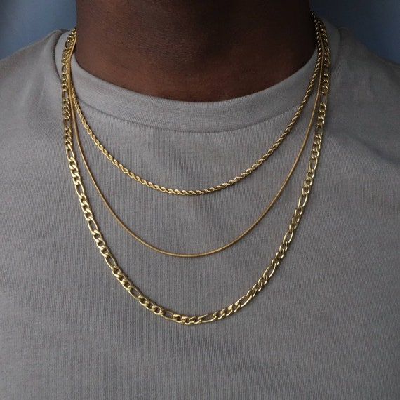 Various layering chain necklaces
