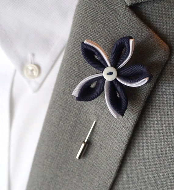 Flower Lapel Pin / lapel pin / mens accessories / Suit Accessories