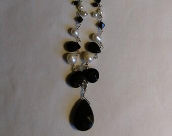 Vintage Silver Tone Faux Pearl & Black Bead Necklace.