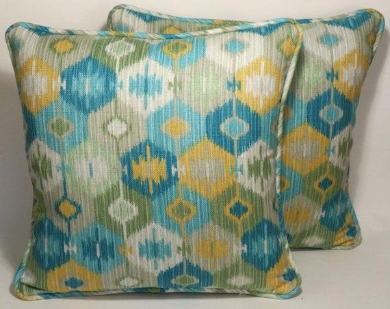 Crown Chenille Toss Pillow (Set of 2
