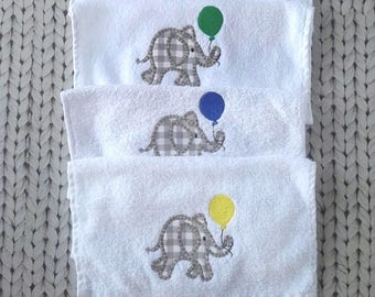 Bibs with elephant application (set of 4)