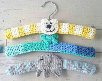 Baby clothes hangers with application (set 3 pieces)
