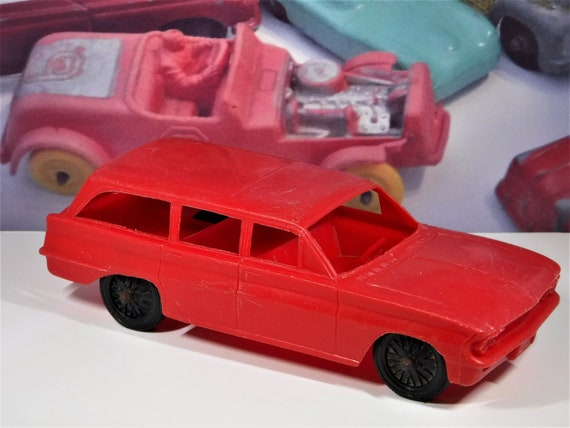 1962 OLDSMOBILE F85 TOY Station Wagon    Made By Processed Plastics  Company   Very Collectible For The Wagon Lover!