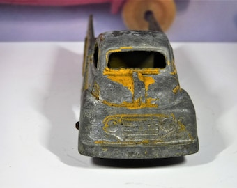 1940's-1950's FORD F SERIES Tootsietoy Truck...Resembles an F1, F2 Or F3...Not A Flatbed Or Pick-up...What Is It?