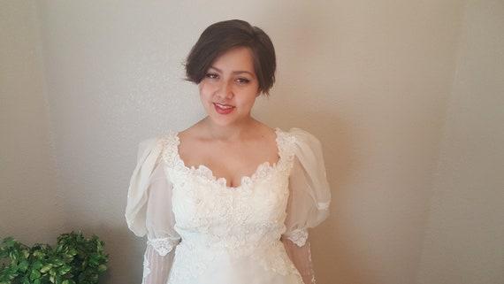 Gorgeous Shiny Cream Chiffon Wedding Dress/Bridal