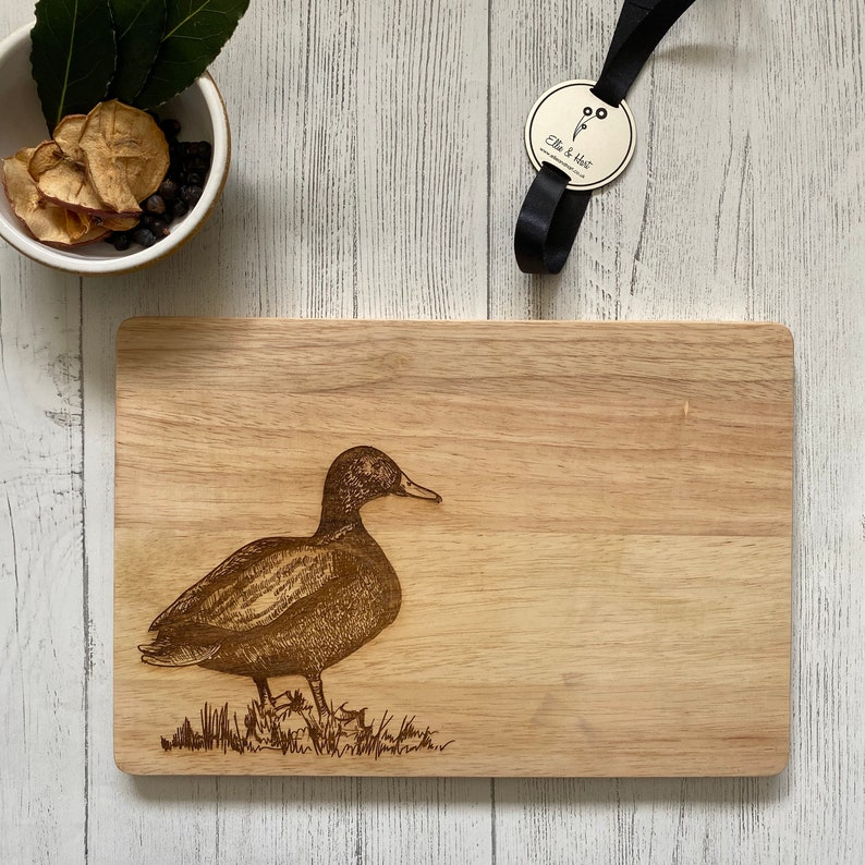 Wooden Serving Chopping Board cutting board engraved Duck  image 1