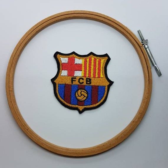 03a2fa7af660 FC Barcelone écusson thermocollant   Etsy