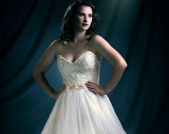 Aurora - Wedding gown with ruffled skirt