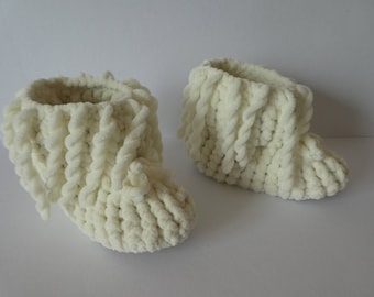 Knitted baby girl shoes, Warm - soft baby girl's booties, Knitted fun shoes, Baby shower gift idea, Baby Shoes