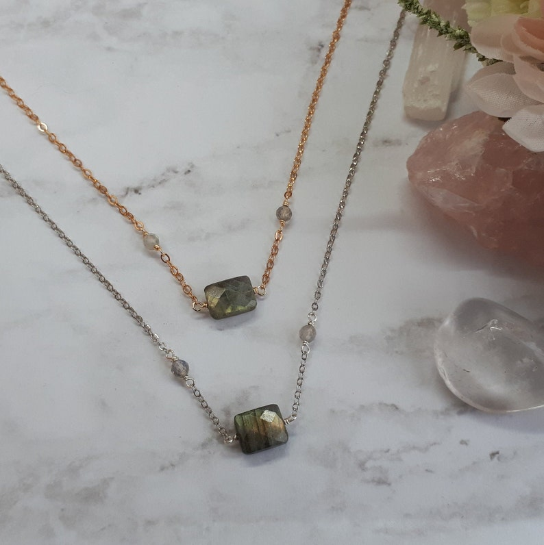 dainty labradorite choker necklace,geometric,silver,brass,small necklace beaded chain,flash,grey gemstone,natural stone,faceted,modern