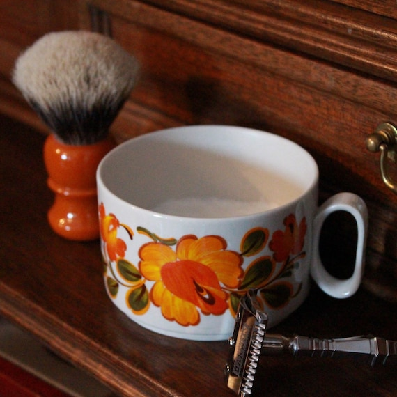 Luxury Organic Shaving Soap - DARWIN - in Vintage 1960s Decor Mug