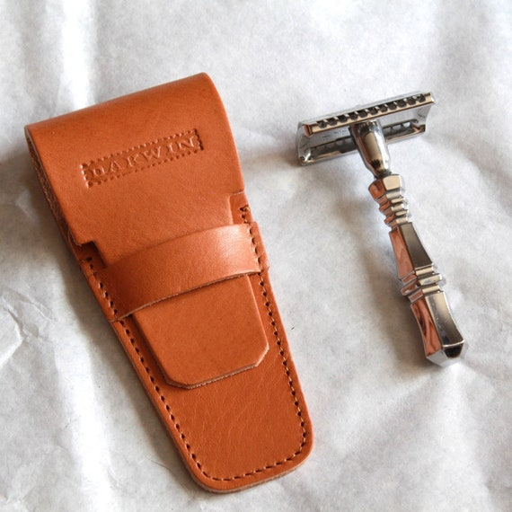 Luxury Universal Leather Pouch for a Safety Razor - DARWIN - Camel Brown