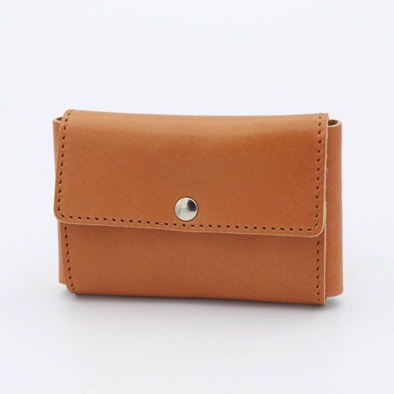 Deluxe Travel Pouch in Genuine Light Brown Leather for Safety Razors - DARWIN
