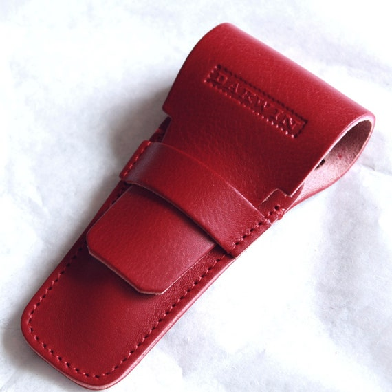 Luxury Universal Leather Pouch for a Safety Razor - DARWIN - Deep Red