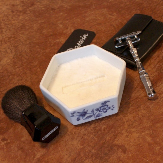 "Luxury Shaving Soap in Hexagonal Porcelain Bowl - DARWIN ""Classic Scent"""