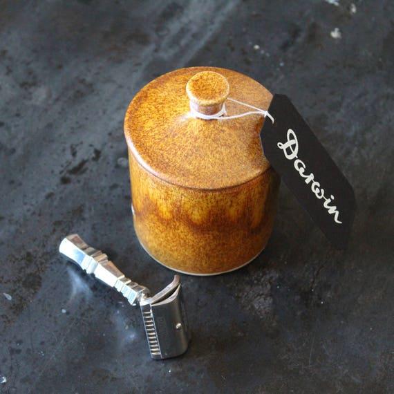 "Luxury Shaving Soap ""Classic Scent"" in Mustard-color Ceramic bowl - DARWIN"