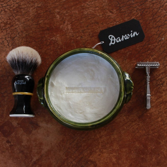 "Luxury Shaving Soap in Large Green Bowl - DARWIN ""Classic Scent"""