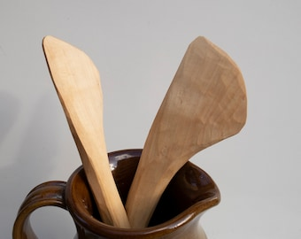 Spatula carved in whitebeam wood