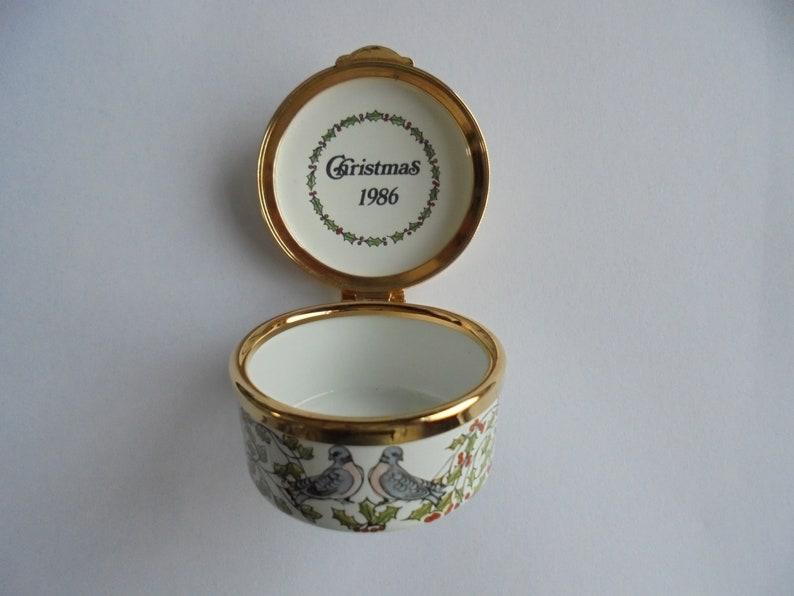 Rare Old Bilston Battersea Staffordshire Enamels Limited Edition Christmas Pill Box \u2018Two Turtle Doves\u2019 1986 Complete w Original Box