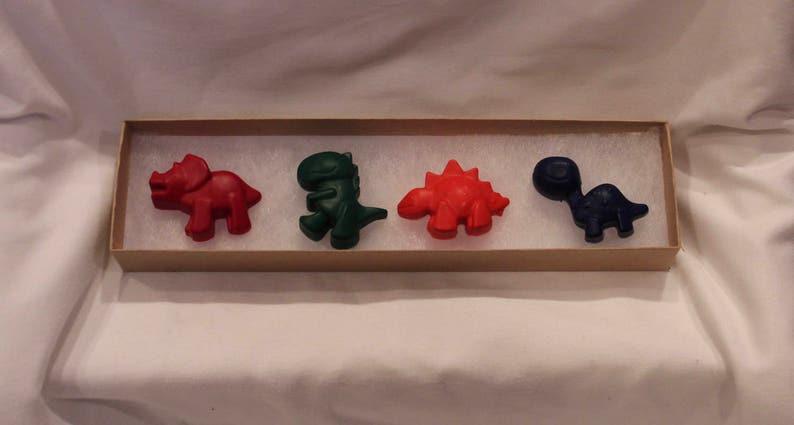 party favors Dinosaur Crayons gift set