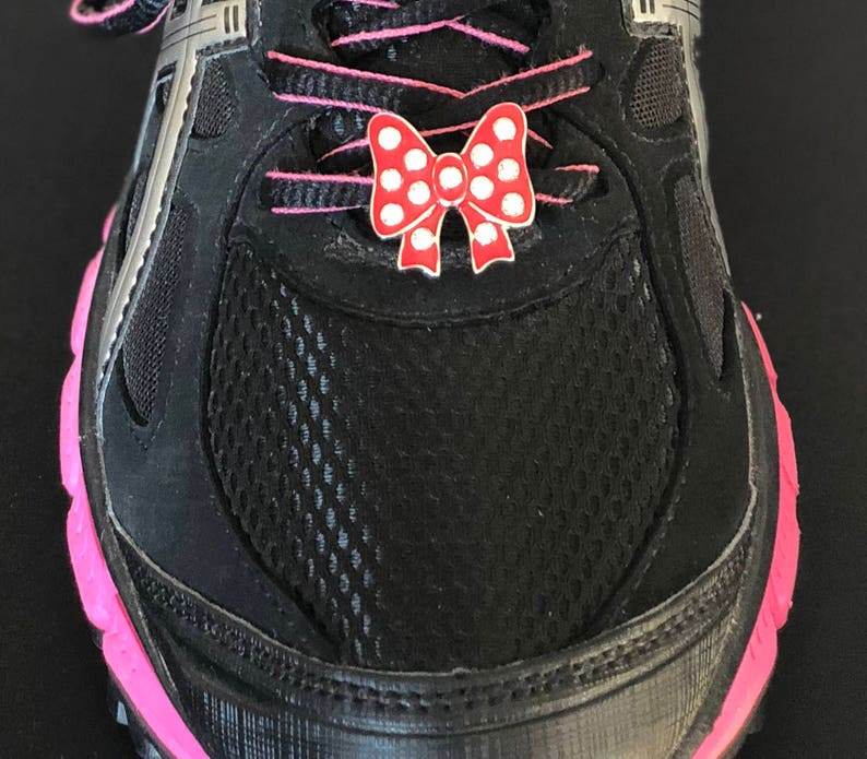 Club Minnie Mouse Bow Shoelace Charm