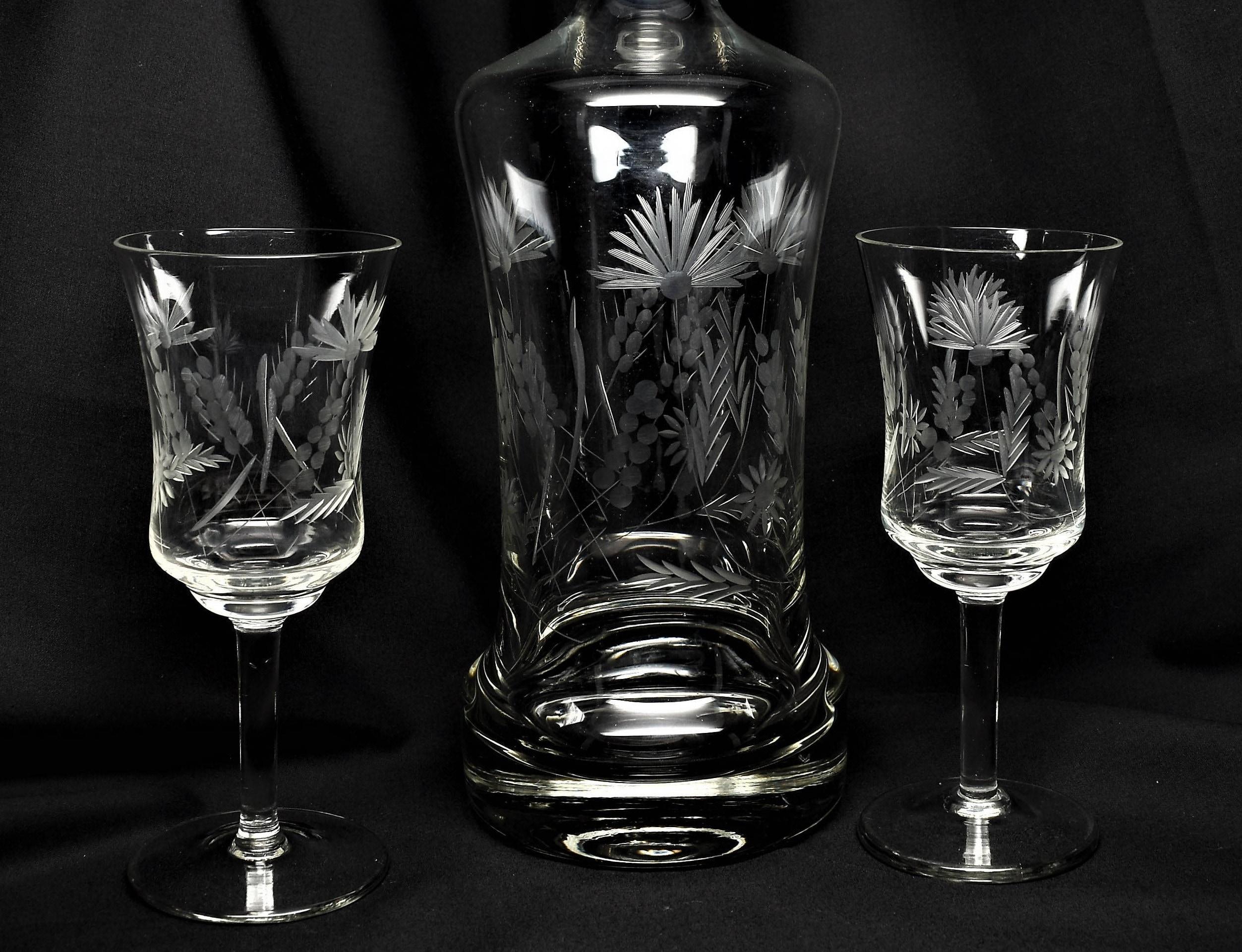 crystal etched wine decanter set. Black Bedroom Furniture Sets. Home Design Ideas